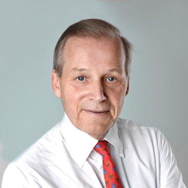 Richter a.D. - Graf von Reichenbach bringt seine ganze Erfahrung nach Erreichen der gesetzlichen Altersgrenze im Richterdienst als kanzleiinterner Berater ein